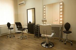 美容師から転職するなら【保存版】男女でベストな方法